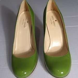 KATE SPADE SHINY GREEN APPLE PATENT LEATHER PUMPS